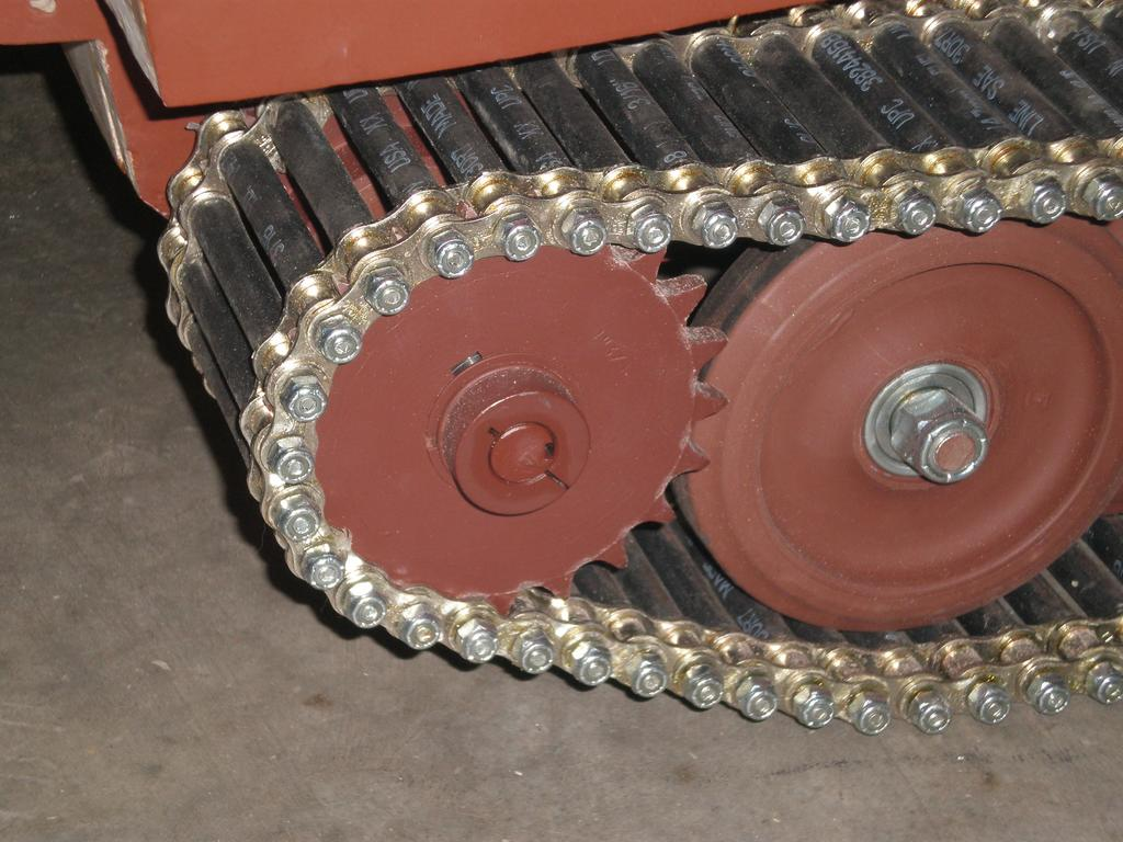 Small tracked vehicle designs from remote control tanks